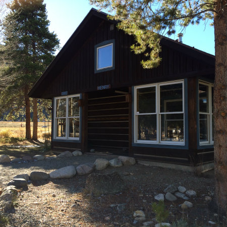 Lodging discovery camp adventure summer camp in for Cabins in keystone colorado
